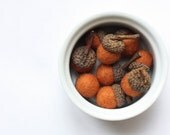 Pumpkin Felted Acorns