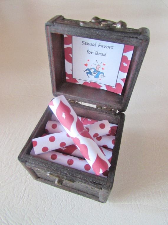Boyfriend Gift Idea, Sexual Favors Scroll Box, Sexy Coupons, Sexy Coupon Book, Husband Birthday Gift Idea, Naughty Gift, Sexy Birthday