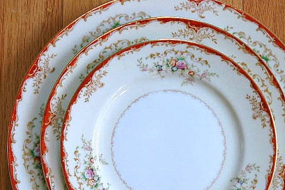 Vintage Hand Painted Meito China V2161 Coral Red Tan Floral