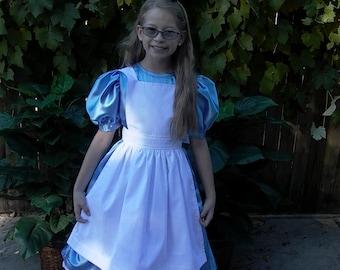Girl's Alice in Wonderland Costume