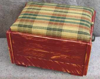 upcycled footstool handmade, reclaimed pallet wood,upolstered storage ottoman,shabby chic, BOHO,rustic pallet furniture,