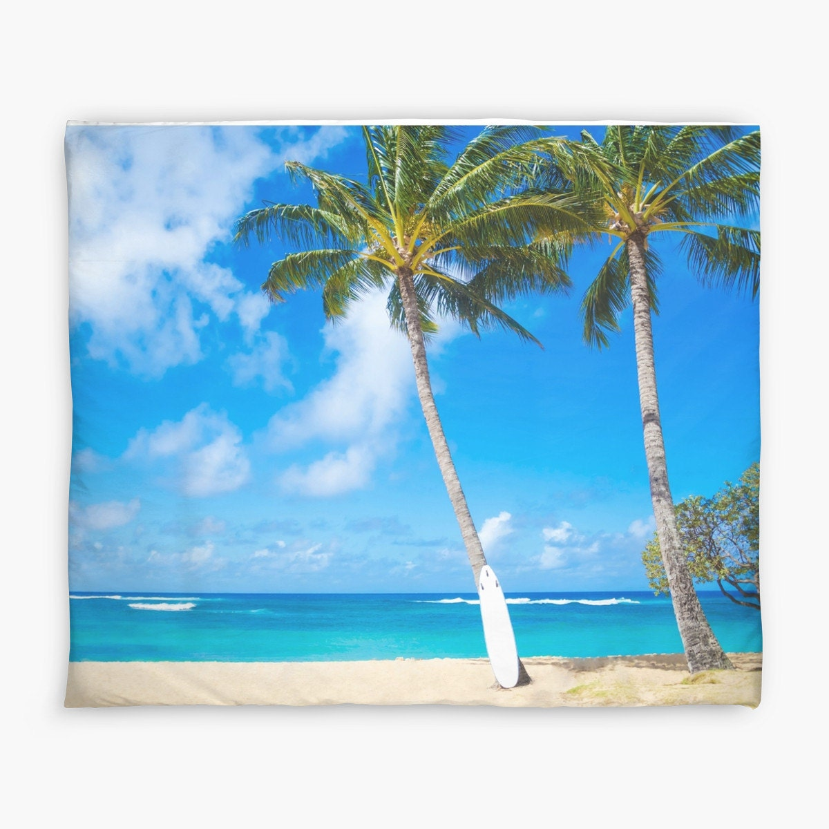 Palm duvet cover with palm tree and surfboard in hawaii water for Parure de lit couette 240x260