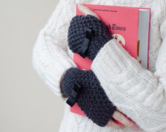 """Hand Warmers. Mittens """"Colette"""". 100% wool. Customizable."""