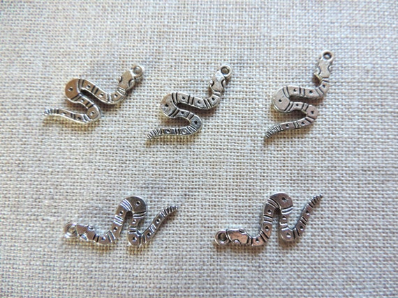 Snake charms x 5 worm charms antique silver tone uk for Silver worm in bathroom