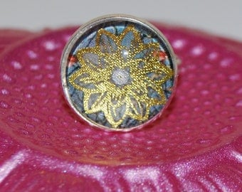 Ring adjustable golden lotus