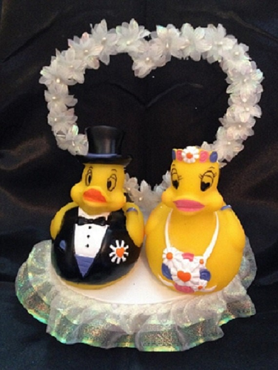 rubber duck wedding cake toppers rubber ducky and groom wedding cake topper by 1topper 19439