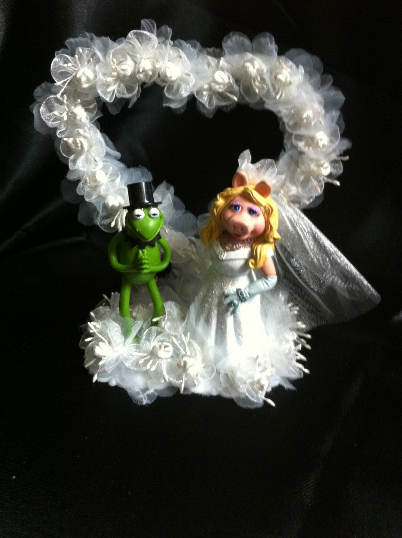 Miss Piggy and Kermit mini wedding cake cupcake topper