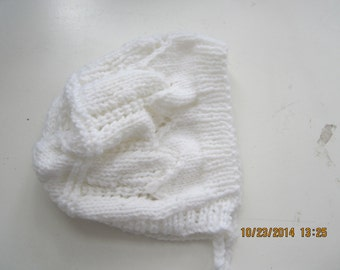 Infants  Handknit White Bonnet  0 -3 mos Lacey Design  soft acrylic easy care