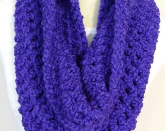 Free shipping, Deep purple infinity cowl, infinity scarf, Cozy cowl, ready to ship