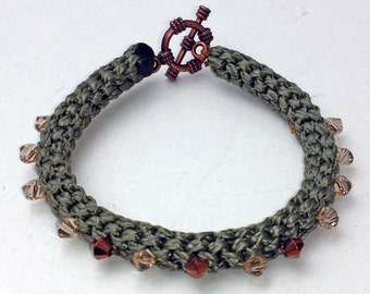 Macrame bracelet with beads and toggle clasp