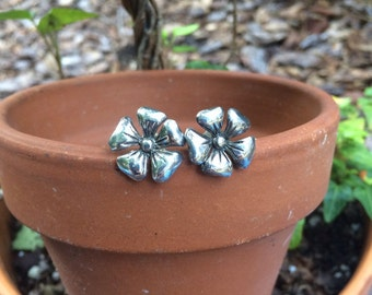 925 sterling silver flower post earrings