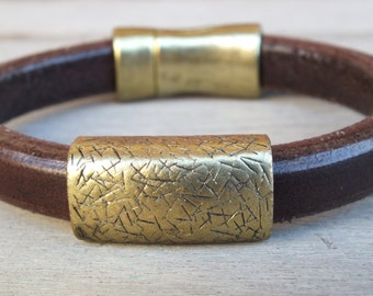 Mens brown leather bracelet- womens brown leather bracelet - Leather jewelry - golden bracelet -- Magnetic clasp- Quality -