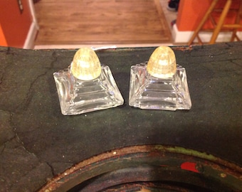 art deco style Irice salt and pepper shakers