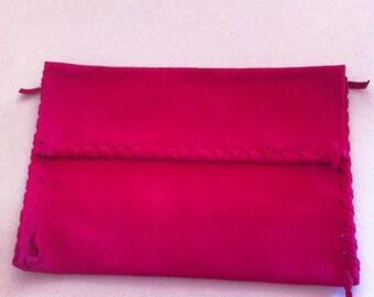 Fuchsia suede leather pochette