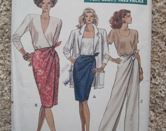 UNCUT Vogue Misses Skirt and Pants - Sewing Pattern 7540 - 1989