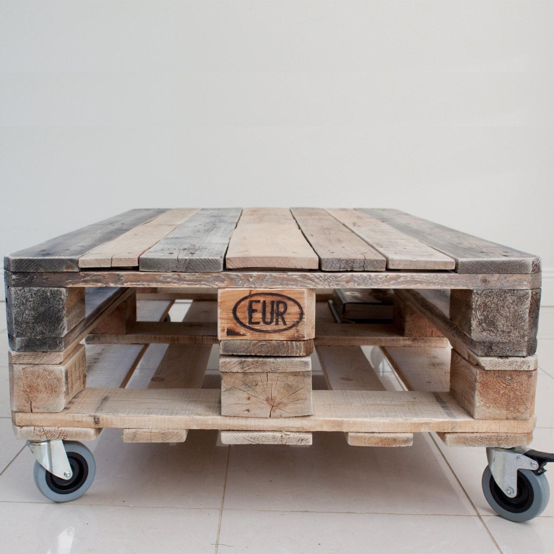 Bois de r cup ration de palette table basse style par crative for Table basse recuperation