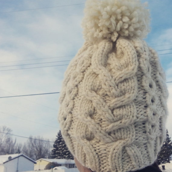 Easy Knitting Pattern For Toque : Cozy Cables Toque Pattern