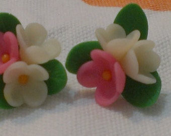 Lilac tender. Earrings handmade from polymer clay. Free Shipping