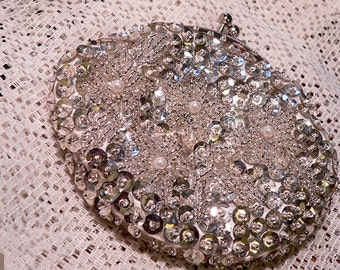Beautiful Vintage Sequined DeLill Change Purse
