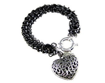 Black Chainmaille Bracelet With Filigree Heart Charm