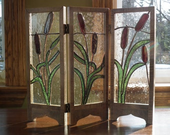 Mini decorative screen in stained glass with cattails