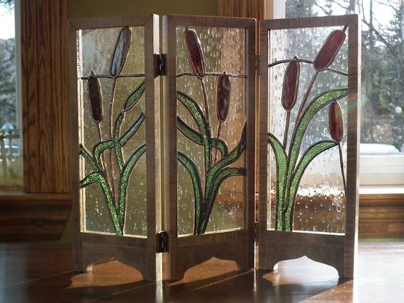 mini paravent d coratif en vitrail avec quenouilles. Black Bedroom Furniture Sets. Home Design Ideas