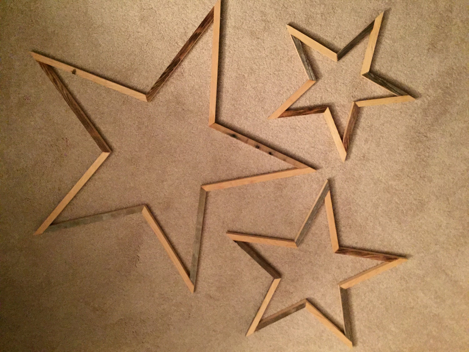 Uupcyled wood star wall art home decor by repurposedbyrob for Star home decorations