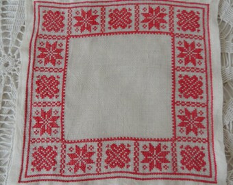 Vintage Napkin, Traditional Swedish Scandinavian Handmade Embroidered Napkin, Scandinavian Style Vintage Table Decor Decorations Ornaments