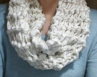Sparkly cowl scarf in an off white color, in a super chunky knit. Very cozy!