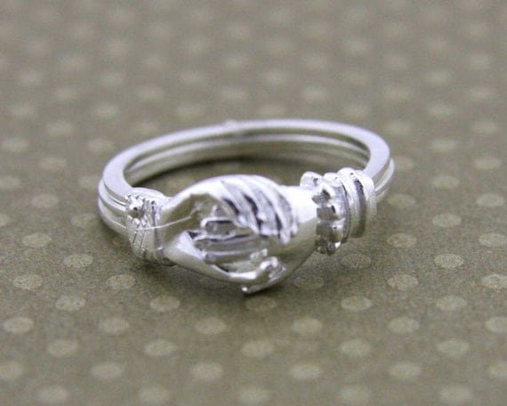 sterling silver movable ring silver claddagh ringhands