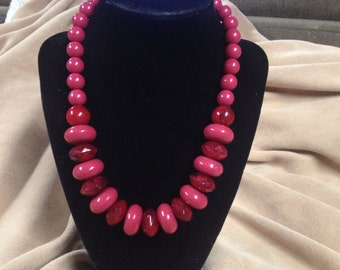 Vintage Pink and Magenta Acrylic Beaded Necklace, Length 18''