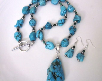 SALE! Removable Turquoise Silver Pendant Necklace and Earring set