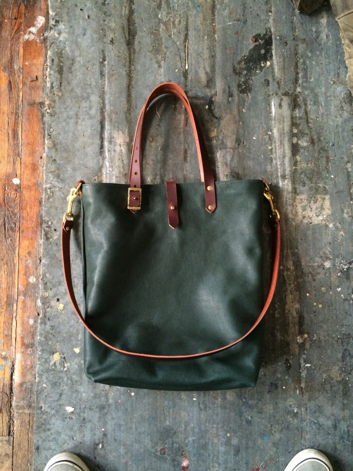 Forest tote in olive and cherry