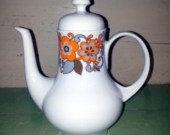 Mid-Century Retro KAHLE Porcelain Teapot or Coffeepot made in GDR