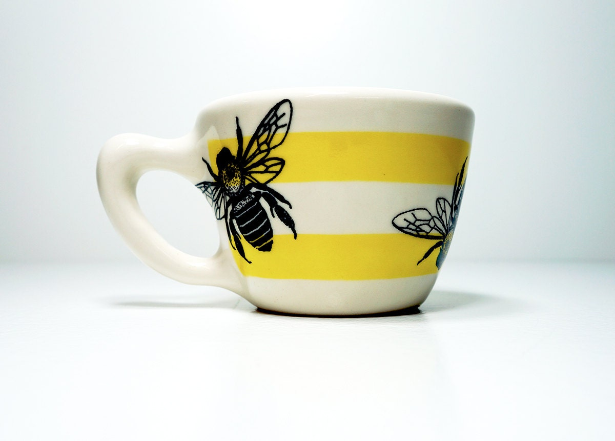 12oz cup bee with stripes - Made to Order/Pick Your Colour