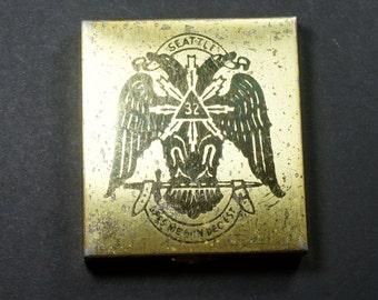 SCOTTISH RITE Freemasonry COMPACT Seattle Chapter Powder Mirror 1580