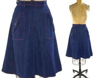 70s Denim A-line Skirt / Vintage 1970s Handmade Jeans Skirt / Hippie Boho Bohemian Hipster Knee Length Skirt / Patch Pockets / High Waisted