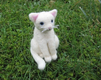 Needle Felted Cat Misty the White Kitty Cat