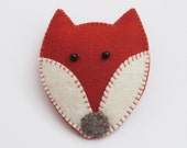 Felt Brooch - Handmade - Red Fox  TAMA - Pin Accessory - Kitsch Gift Idea - Animal Lovers Present