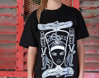 Nefertiti Egjpt Bird Black White Screen Print T-Shirt