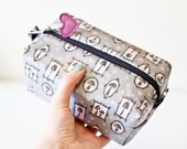 Laminated Makeup Zipper Pouch -Mushrooms