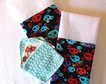 Sugar Skull Towels, Crochet Wash Cloth, Sugar Skull Fabric, Crochet Cotton, Mexican Folk Art, Mexican Decor, Sugar Skulls, Mexican Kitsch