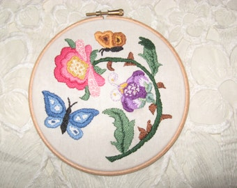 Colonial Hand Embroidered Floral Hoop Wall Art