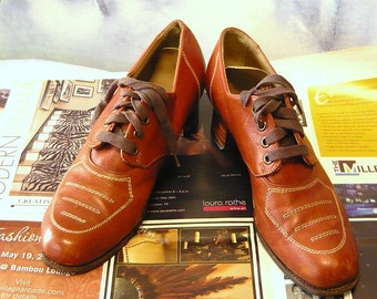 Vintage MADAM DETROIT Granny Oxfords 1950s Shoes size 8 aaa  Leather Brogues Flats Narrow Width Eu 38 .5 UK 5.5