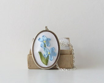 Forget Me Nots necklace, embroidered jewelry, botanical necklace, Alaska state flower, blue flowers pendant, silk ribbon embroidery flowers