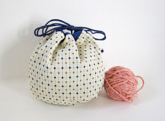 Items similar to Large Yarn Cozy -- Reversible Round ...