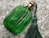 Early 19th-20th Century Old World Green Apothecary Glass Perfume Vinegar Glass Bottle
