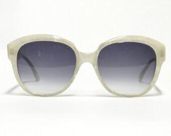 80s Deadstock Robert la Roche 781 sunglasses, white vintage designer eyewear with new gradient lenses.