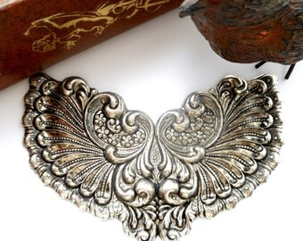 SILVER Victorian Cartouche Winged Shell Stamping- Jewelry Antique Silver Findings - (C-802) #