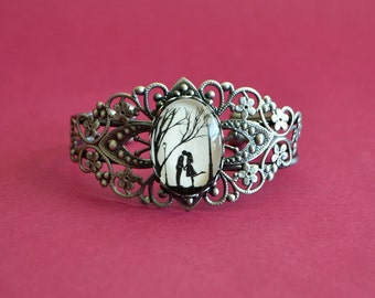 Sale 20% Off // Silhouette Art Bracelet, Filigree Bangle - AUTUMN KISS - Silhouette Jewelry // Coupon Code SALE20